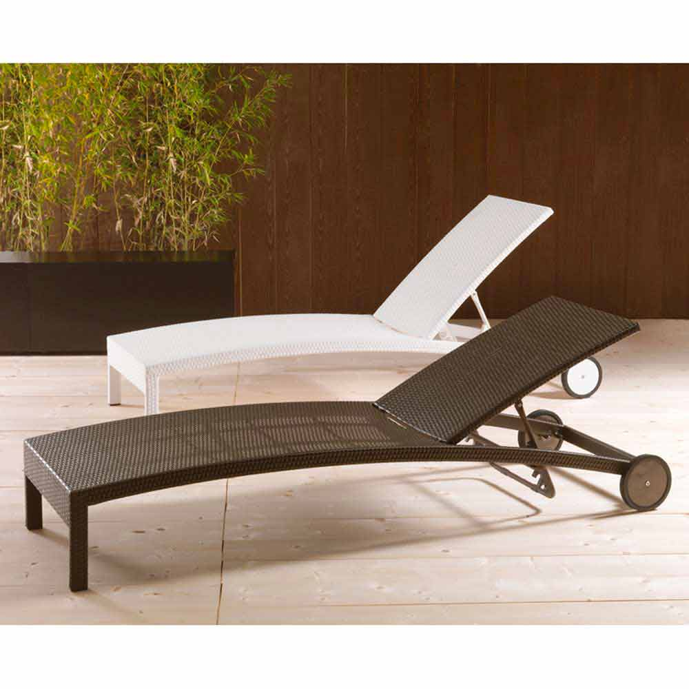 sonnenliege mit rollen und verstellbarer r ckenlehne sun bed. Black Bedroom Furniture Sets. Home Design Ideas