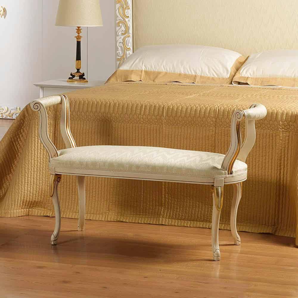 klassische schlafzimmer sitzbank elfenbeinfarben. Black Bedroom Furniture Sets. Home Design Ideas