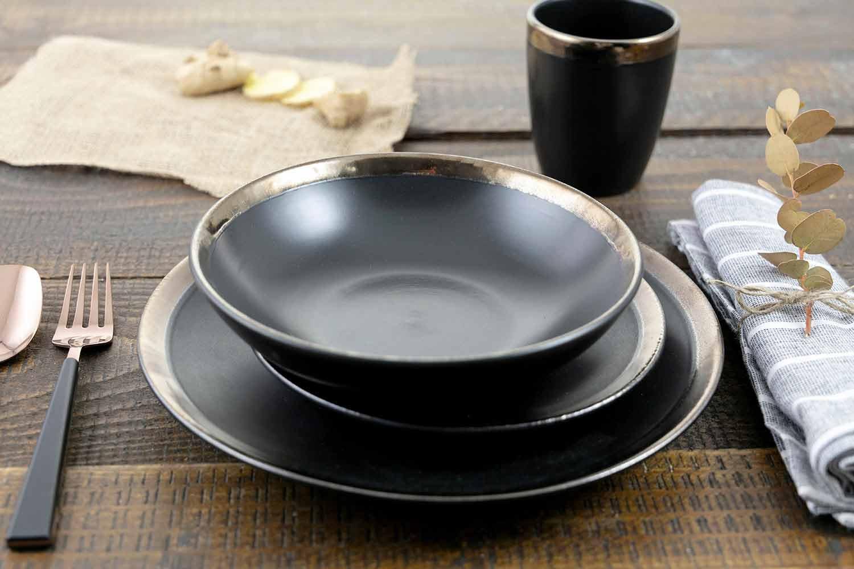 Elegante Schwarze Steinzeuggerichte Kompletter Tischservice