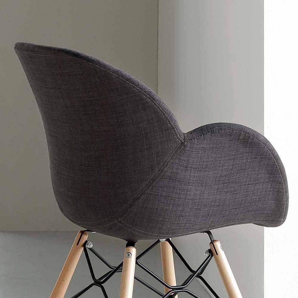 gepolsterter stuhl aus buchenholz mit armlehnen yucca. Black Bedroom Furniture Sets. Home Design Ideas