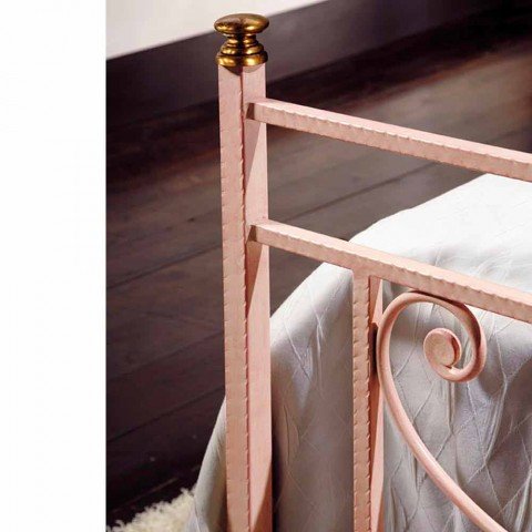 Queen-Size-Bett und ein halbes Quadrat Schmiedeeisen gehämmert Claudia
