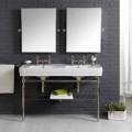 Badezimmer-Set mit Vintage-Doppelkonsole aus weißer Keramik auf einer linearen Struktur